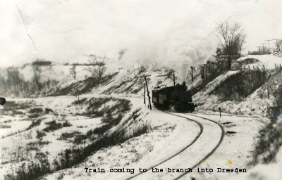 Train coming to the branch into Dresden.
